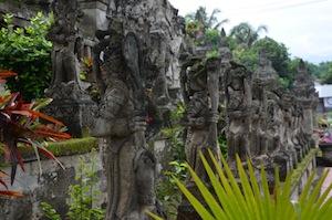 bali_statues
