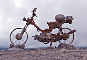 motorbike_monument