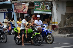 singaraja_motorbikes