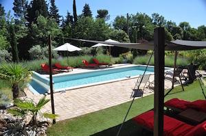 le_clos_geraldy_pool
