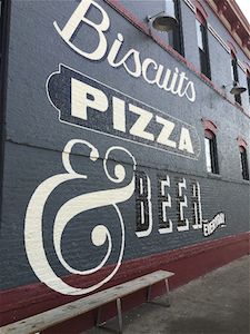 denver_biscuit_co_outdoor_wall