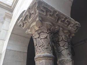 cloisters_stone_column_details