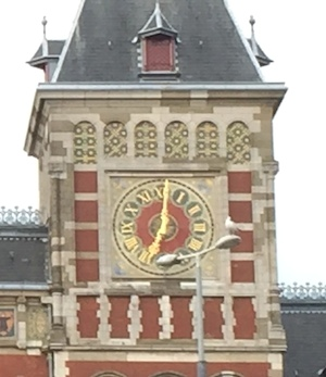 AMS_Clock_face_with_Roman_numerals