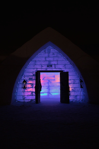 ice_Hotel_entrance