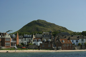 north_berwick_homes_on_beach