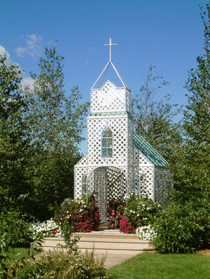 berry_barn_wedding_chapel