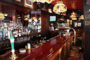 bar_at_martins