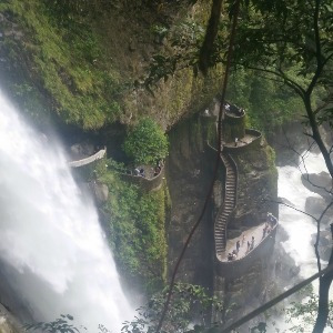 pailon_del_diablo_waterfall