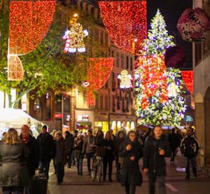 strasbourg_christmas_street_scene