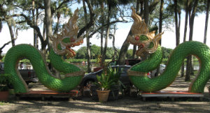 thai_temple_dragons