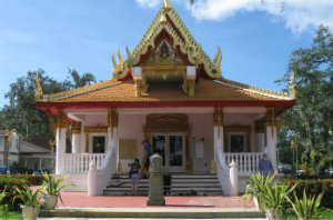 thai_temple_entrance