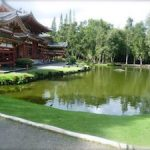 Valley of the Temple's Cemetery and the Byodo-In Temple on Oahu, Hawaii